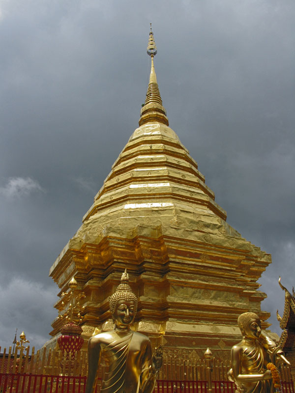 Wat Doi Suthep: Golden chedi