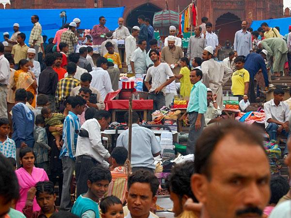 Delhi, Crowd outside Jama Masjid