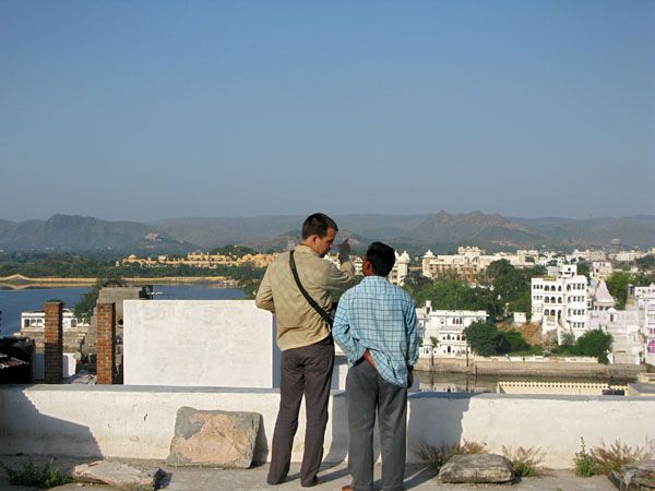 Udaipur, the Jagdish Temple groundskeeper giving Nik the grand tour