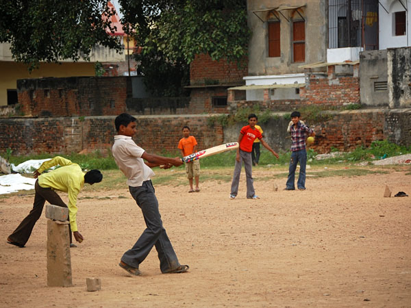 Varanasi, Local boys playing cricket