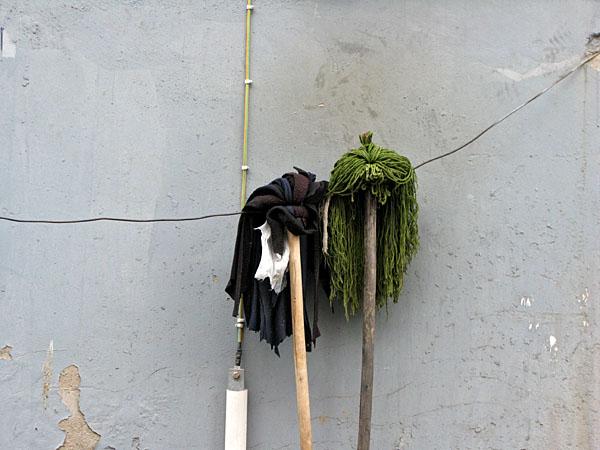 Mops drying