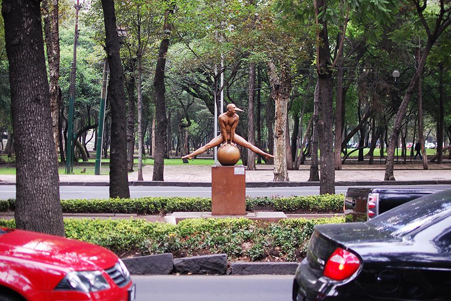 Equilibrista en Split Monumental by Jorge Marin