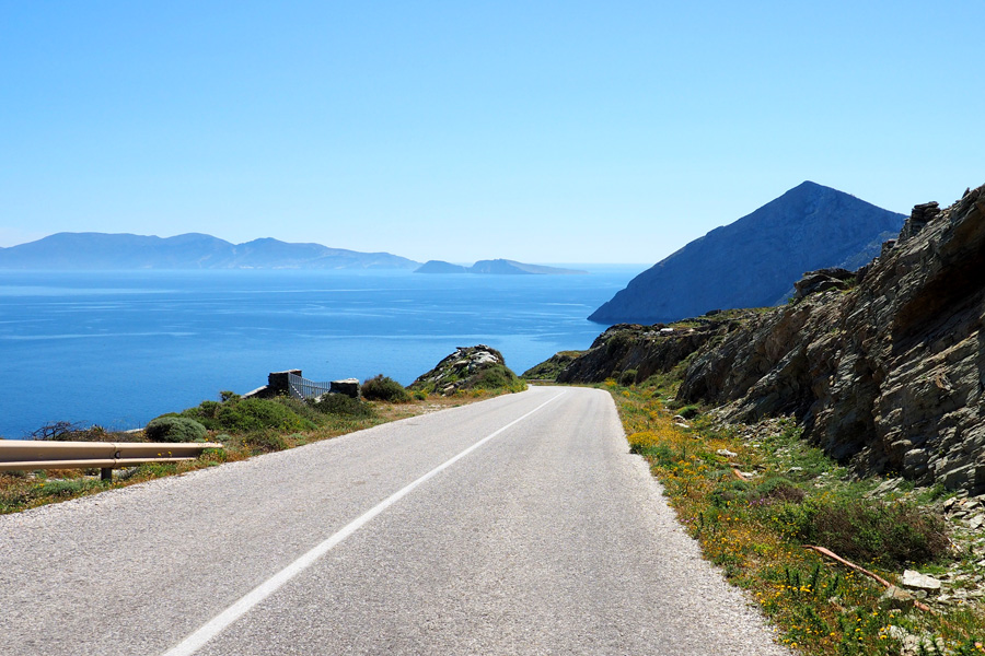 The primary Folegandros road